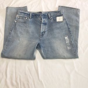 🆕 GAP Distressed Button Fly Capris  Size 30